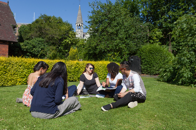 learn-english-in-dublin---ec-dublin-english-school_21.jpg
