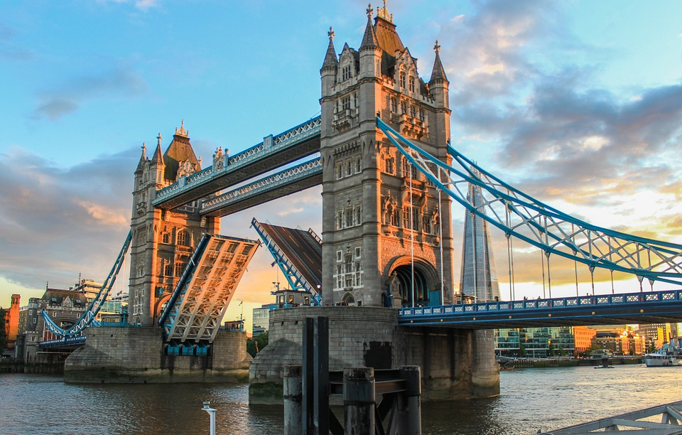 tower-bridge-980961_960_720.jpg